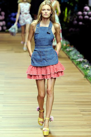 images/cast/00000432443992034=my job on fabrics d&g Summer 2011